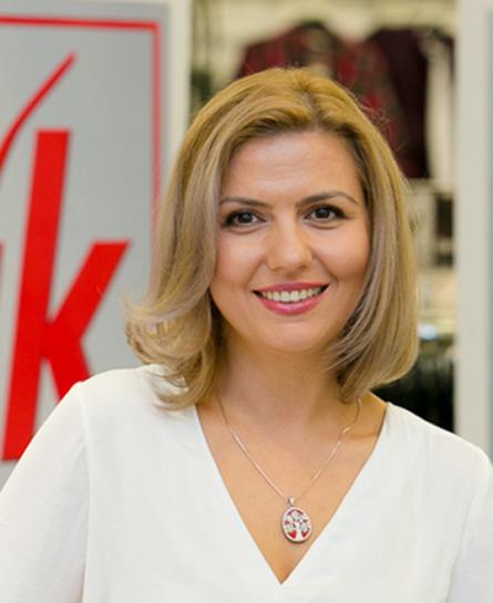 Raluca  Hartmann